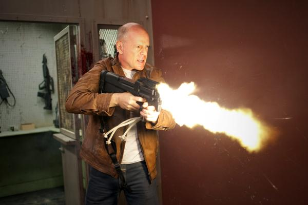 LOOPER Gets a Full-Length Trailer