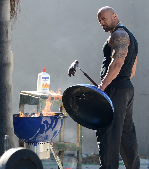 the-rock-cooking-hand-michael-bay-pain-gain-image