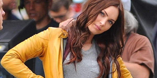 First TEENAGE MUTANT NINJA TURTLES Set Photos with Megan Fox and Will Arnett Along with a New Logo